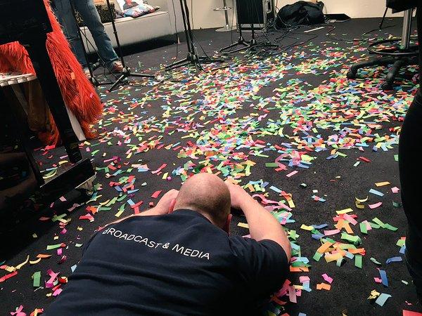 Confetti van De Sjonnies bij De Roodshow